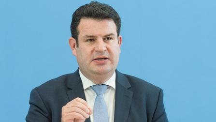 Bundesminister Hubertus Heil bei der Pressekonferenz.