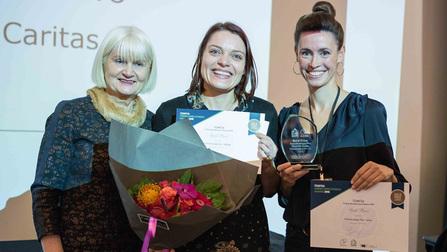 MdEP Marian Harkin, Petra Schwaiger und Marlene Köster bei der Preisverleihung
