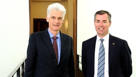 Staatssekretär Dr. Schmachtenberg und der australische Minister Keenan.