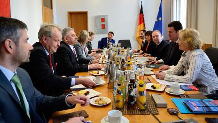 Minister Heil und sein slowakischer Amtskollege Jan Richter bei den Konsultationen.