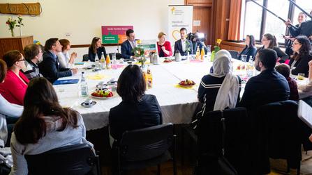 Pressekonferenz mit Bundesfamilienministerin Dr. Franziska Giffey und Bundesarbeitsminister Hubertus Heil.