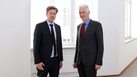Staatssekretär Dr. Rolf Schmachtenberg und der dänische Minister Jakob Jensen.
