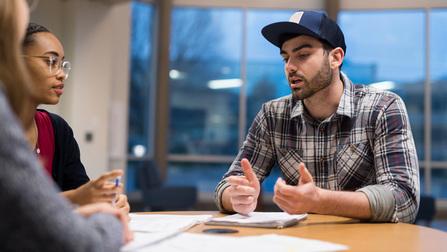 Teilnehmer an einem Sprachkurs.