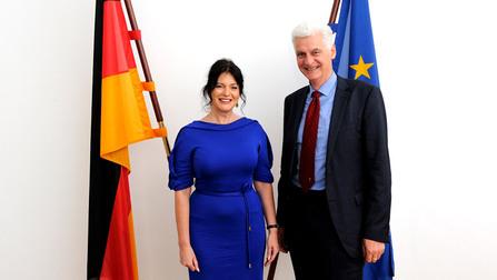 Staatssekretär Schmachtenberg und die lettische Arbeitsministerin Petraviča.