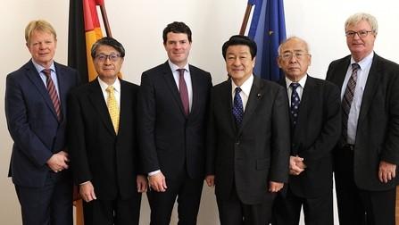 Staatssekretär Böhning trifft japanischen Staatminister Inatsu sowie die deutschen und japanischen Sozialpartner.