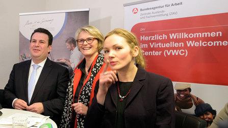 Bundesminister Heil und Karliczek beim Besuch der neuen Beratungsstelle