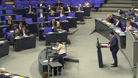 Bundesminister Hubertus Heil bei seiner Rede im Deutschen Bundestag.