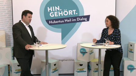 """Hubertus Heil spricht �ber die Veranstaltung """"Hin Geh�rt. Die Online-Edition""""."""