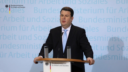 Bundesminister Hubertus Heil bei seinem Statement zur Grundrente.