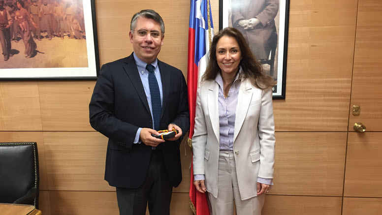 State Secretary Fahimi with undersecretary of Labor Francisco Diaz of Chile's Ministry of Labor and Social Forecast. Opens page: State Secretary Fahimi in Chile and Argentina