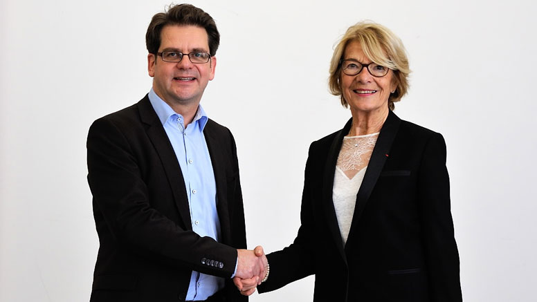 Thorben Albrecht and Elisabeth Morin-Chartier. Opens page: State Secretary Albrecht meets with MEP Morin-Chartier