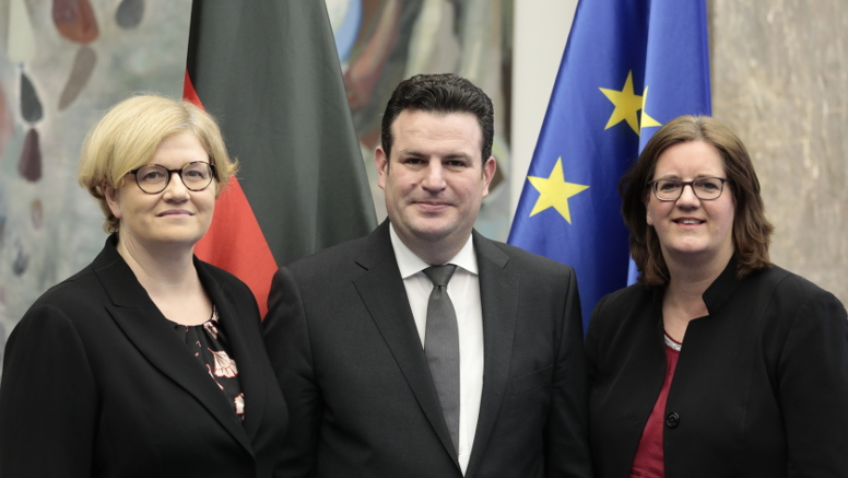 Minister Hubertus Heil and the Parliamentary State Secretaries Annette Kramme and Kerstin Griese. Opens page: Change in leadership at the Federal Ministry of Labour and Social Affairs