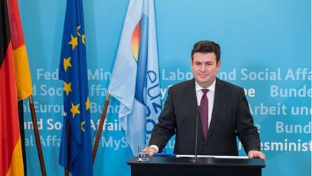 Bundesarbeitsminister Hubertus Heil am Rednerpult