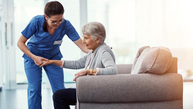 Höhere Mindestlöhne für Beschäftigte in der Altenpflege