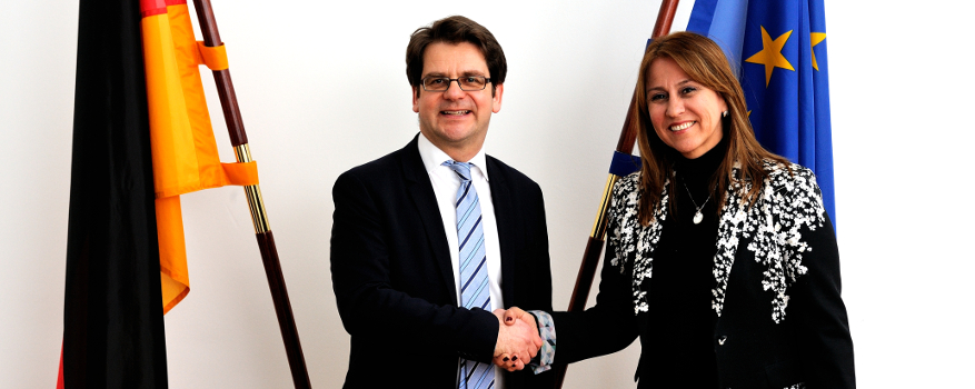 Thorben Albrecht and Colombia's Minister of Labour Griselda Janeth Restrepo Gallego.