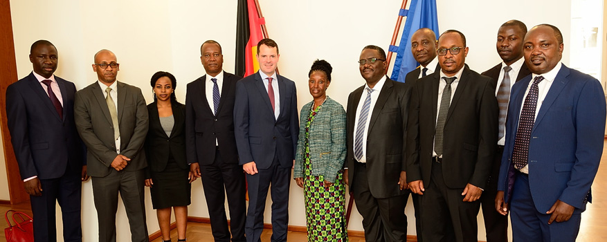 State Secretary Björn Böhning and the workplace safety delegation from Tanzania.
