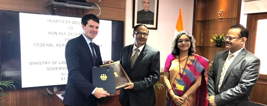 State Secretary Böhning with Heeralal Samariya, Secretary at India's Ministry of Labour and Employment.