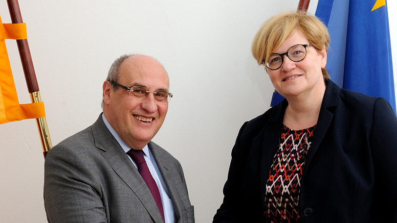 António Vitorino and Anette Kramme. Opens page: Parliamentary State Secretary Kramme meets with Director General of the International Organization for Migration
